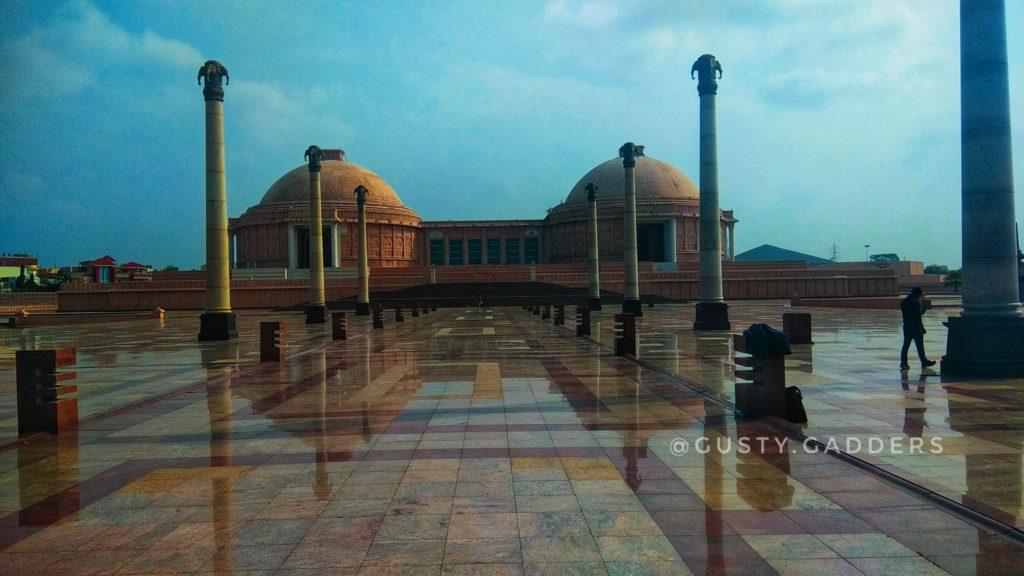 Located in Gomti nagar, Lucknow